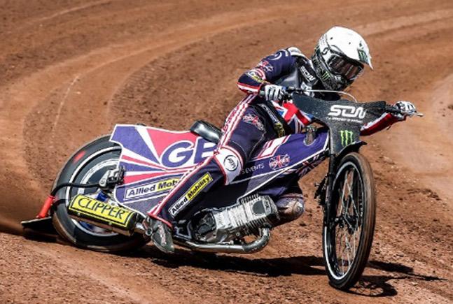 Podpisanie umowy i rozpoczęcie współpracy z GB Speedway Team.